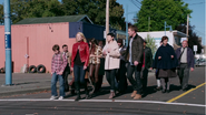 2x01 groupe Henry Mills M. Clark Granny Emma Swan Ruby Prof Mary Margaret Blanchard Leroy David Nolan Timide Simplet Mère Supérieure Walter marche direction boutique M. Gold