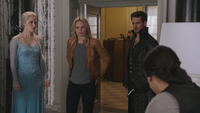 4x03 Elsa Emma Swan Killian Jones Capitaine Crochet Regina Mills mairie Storybrooke