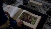 5x05 livre de contes Rumplestiltskin livre sortilège de Regina