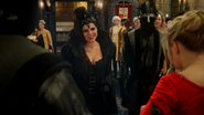 Reine Regina Emma Gardes Noirs mariage Midas 3x21