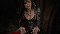 6x10 Regina Mills Méchante Reine poussière mains meurtre Reine Blanche-Neige Roi David