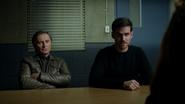 7x13 Weaver Rogers questions interrogatoire