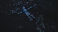 3x02 poupée de paille tombée par terre