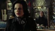 Shot 2x17 Regina Gold