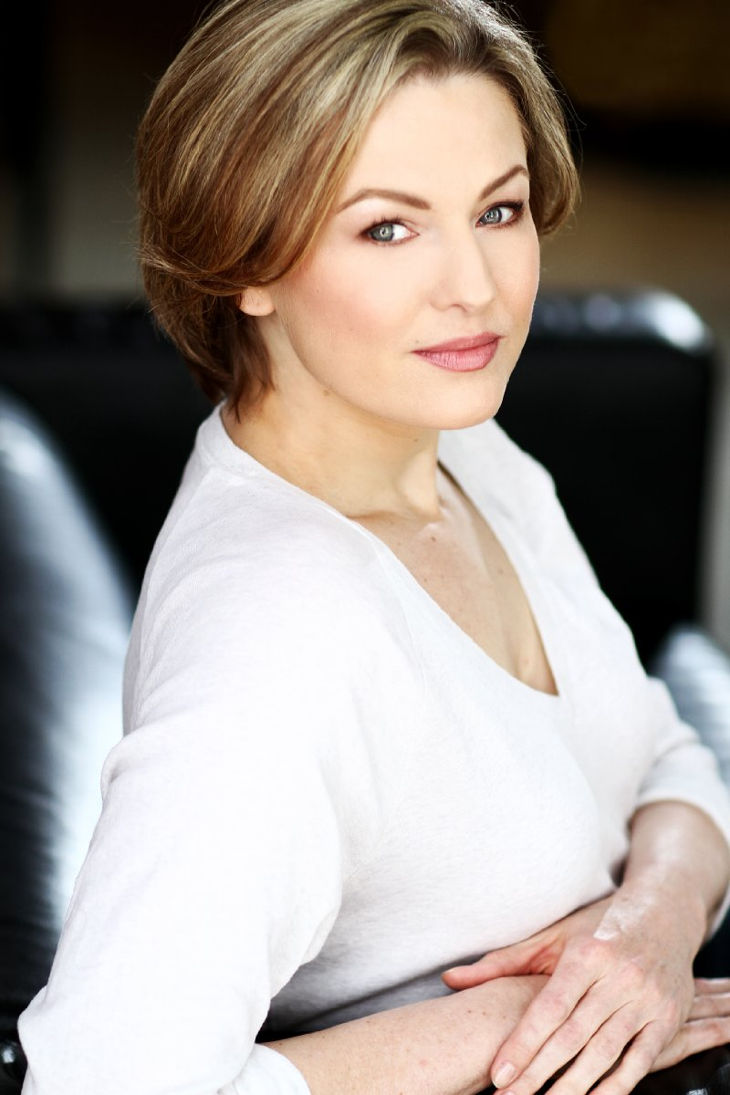photo Nancy Carroll (British actress)