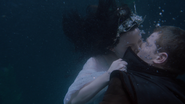 113UnderwaterKiss
