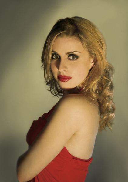 Laura Bertram actress