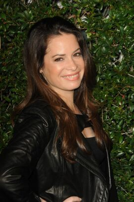 600full-holly-marie-combs