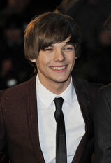 Youngmalecelebs.net galleries tomlinson Tomlinson001