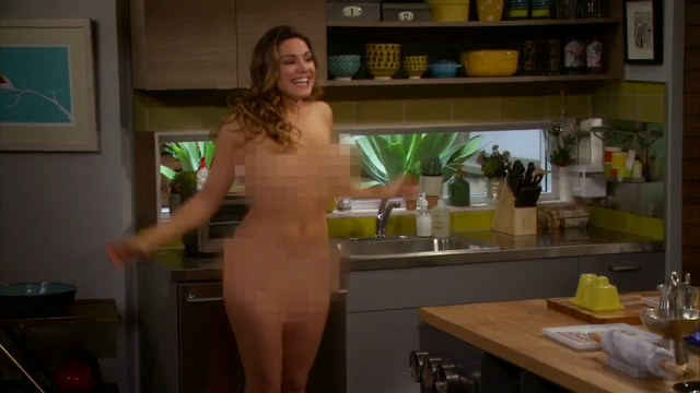 File:Kelly Brook nude One Big Happy pilot (1).png