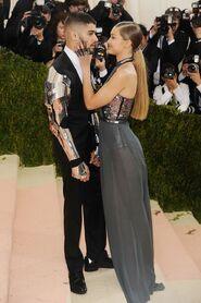 Zayn-Malik-and-Gigi-Hadid glamour 3may16 getty-b 720x1080