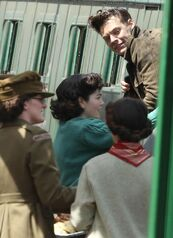 Harry-Styles-on-the-set-of-Dunkirk