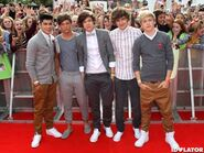 One-Direction-BBC-teen-awards-red-carpet