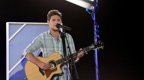 Niall Horan Performs 'This Town'!-0