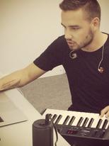 Liam-payne-studio-instagram-1405330794-view-1