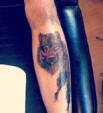 Zayn-malik-wolf-leg-tattoo-400x436