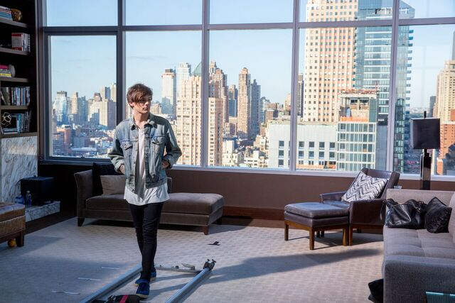 File:Perfect Music Video Louis September 2015.jpeg