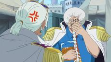 Tsuru regaña a Sengoku