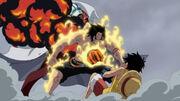 Ace gibt sein Leben, um Luffy vor Akainus Angriff zu beschützen