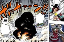 Михок отбивает шар Магги
