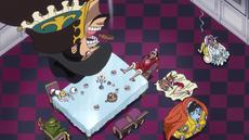 Bege molesto al ver al equipo de Luffy durmiendo