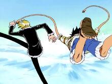 Sanji schieЯt Luffy mit Armee de l'Air Gomu Shoot auf Wapol