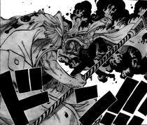 Акаину наносит удар Белоусу