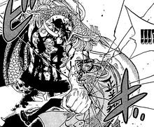 Barbablanca golpea brutalmente a Sakazuki