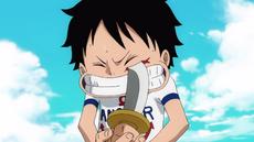 Luffy haciendose su cicatriz