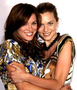 Hilarie and Danneel spam - 1