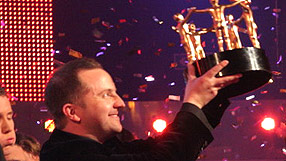 File:Oma tim with trophy.jpg
