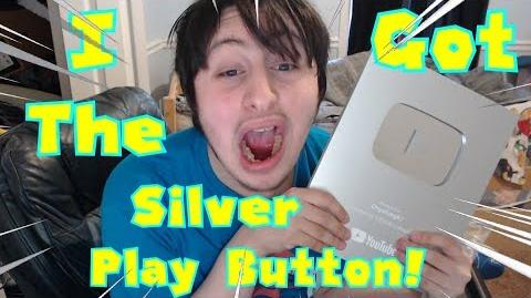 OnyxVlog Ep 2 I UNBOX my SILVER PLAY BUTTON!!!