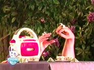 Oobi-shorts-Tea-Uma-brings-her-boombox
