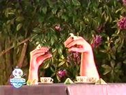 Oobi-shorts-Tea-no-teapot