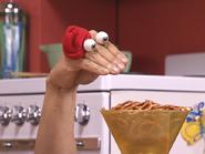 Oobi-Asparagus-Kako-with-pretzels