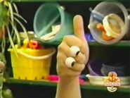 Oobi-shorts-Leader-Oobi-thumbs-up