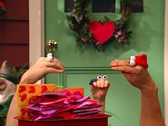 Oobi-Valentine-Kako-with-his-cards
