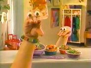 Oobi-shorts-Macaroni-Jewelry-Kako