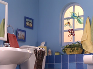 Oobi-Uma-Bathroom-Uma-nervous
