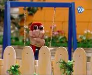 Oobi Dasdasi Hand Puppet Show - Swing