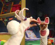 Oobi-Uma-rabbit-costume