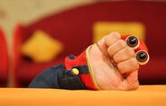 Iranian Oobi Hand Puppet TV Series - Dasdasi (Persian دس دسی صداش می آد)