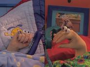 Oobi-Sleepover-singing-a-lullaby