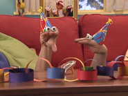 Oobi-Uma's-Birthday-Kako-party-hat