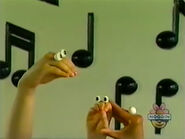 Oobi-shorts-Clap-Hands-Kako-helps
