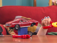 Oobi's-Car-Uma-tries-to-fix-it