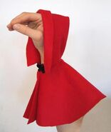 Oobi-Uma-red-cape-costume