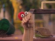 Oobi-Playdate-Kako-confused