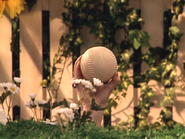 Oobi-Play-Ball-catching-the-ball