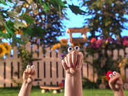 Oobi-Uma-Chicken-playing-tag